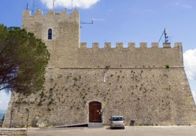 Un milione e 200mila euro per recuperare il Castello Monforte